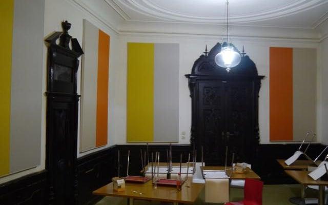 Fertig montierte Wandelemente im Speisesaal von Sta. Christiana in Rodaun