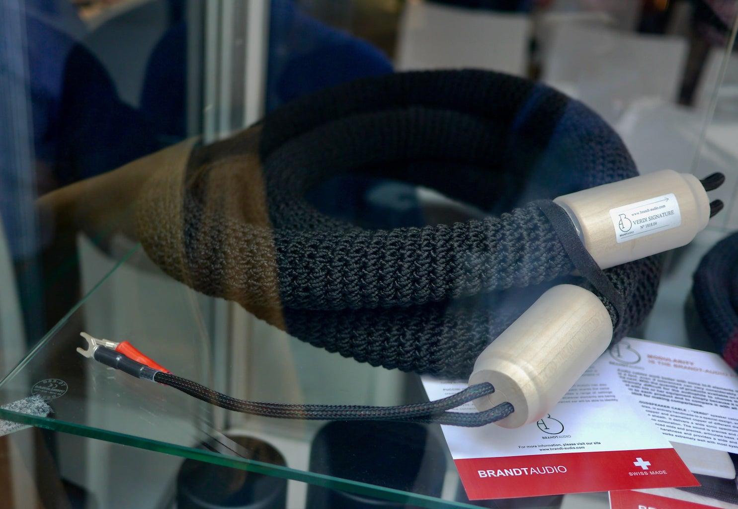 Dicke Lautsprecherkabel von Brandt