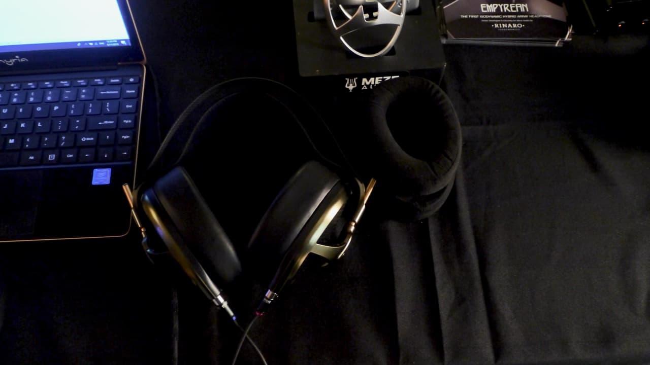Riesiger Empyrean Kopfhörer von MEZE