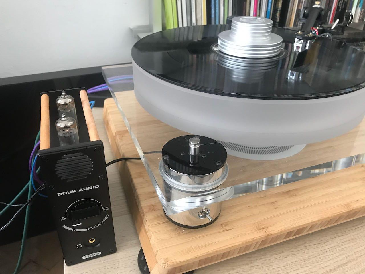 Douk T3 Phonoamp und Scheu Classic